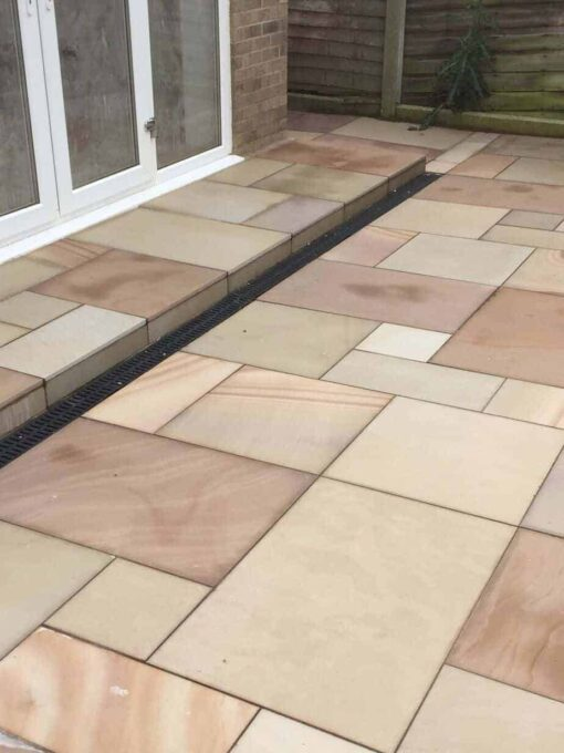 Buff Sawn Smooth Sandstone Paving