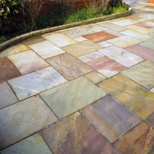 Mixed sizes of fossil mint sandstone in patio