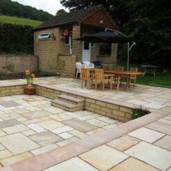 Outdoor dining area utilising fossil mint sandstone