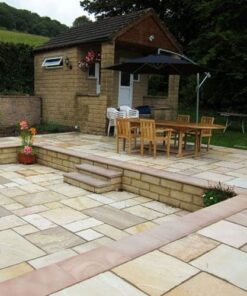 Outdoor dining area utilising fossil mint sandstone